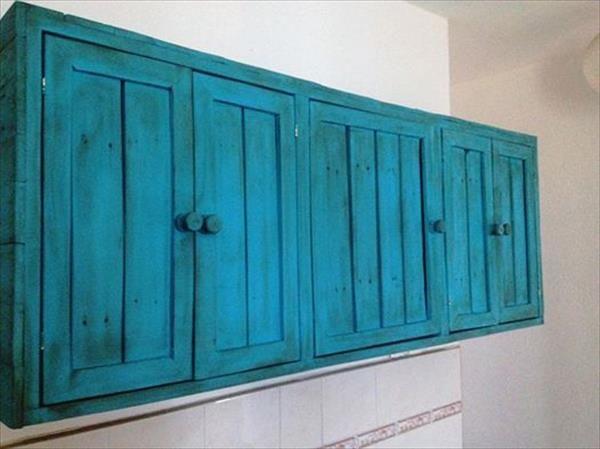 DIY Pallet Hanging Kitchen Cabinet