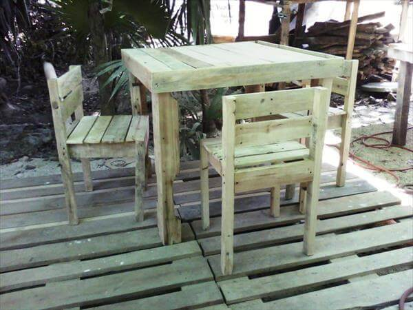 handcrafted pallet dining furniture