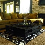 Chic Black Pallet Coffee Table: DIY Tutorial