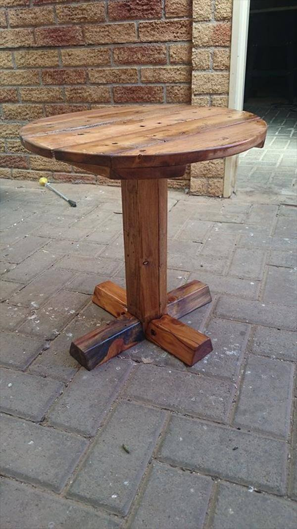Pass the wood from sanding, staining and some finishing wooden coats ...