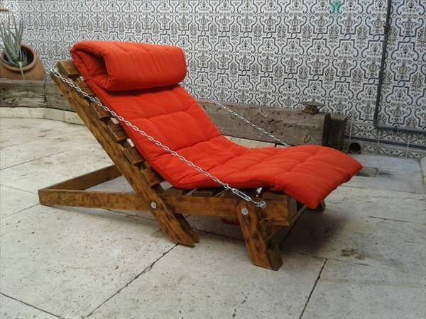 fortable Pallet Lounge Chair