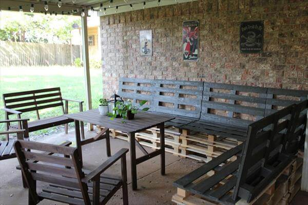 DIY: Pallet Patio Furniture