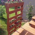 DIY Recycled Pallet Vertical Planter Instructions