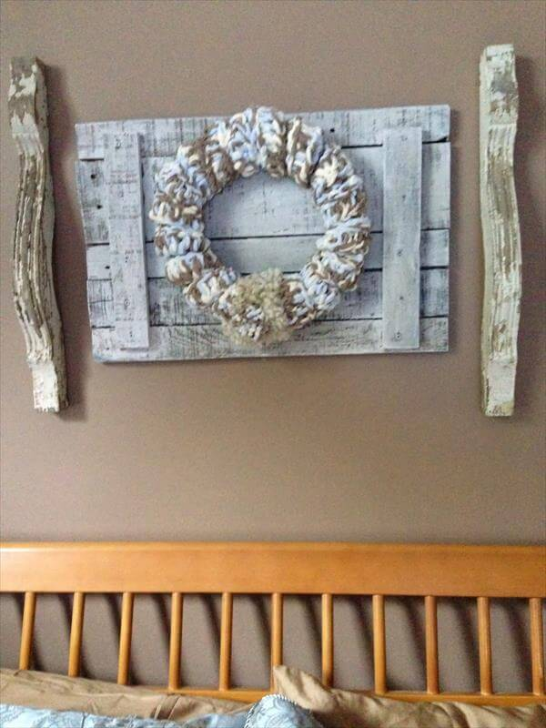 rustic pallet and corbels wall decor