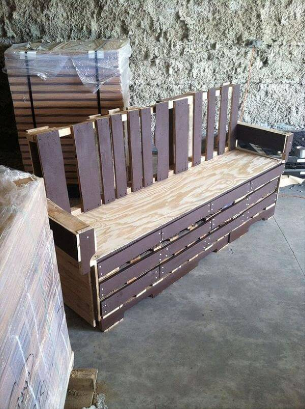 Diy pallet patio bench and coffee table 99 pallets for Building a bench from pallets
