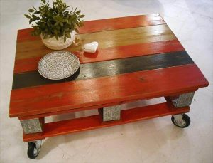 recycled pallet red coffee table