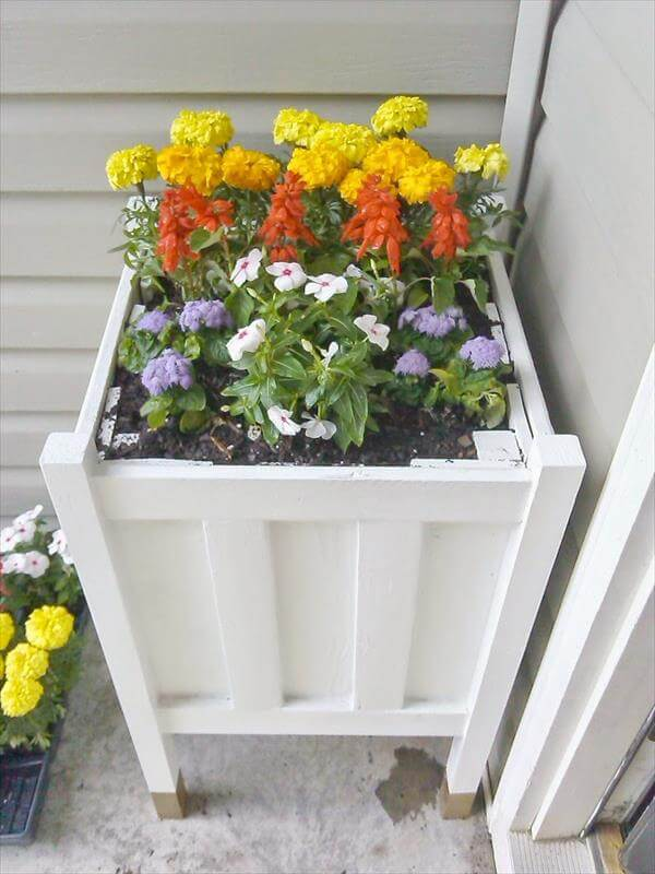 diy pallet flower planter
