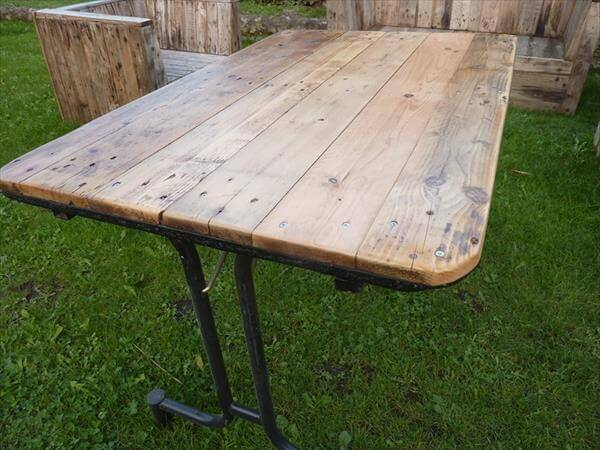 Amazing Handcrafted Pallet Industrial Table