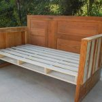 DIY Upcycled Pallet Wood Daybed