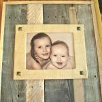 DIY Recycled Pallet and Burlap Picture Frame