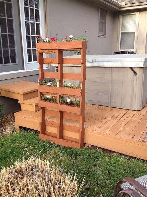 DIY Recycled Pallet Vertical Planter Instructions 99 Pallets
