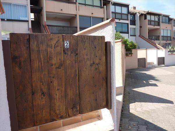 reclaimed pallet entry door