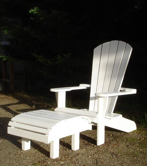 resurrected pallet adirondack chair