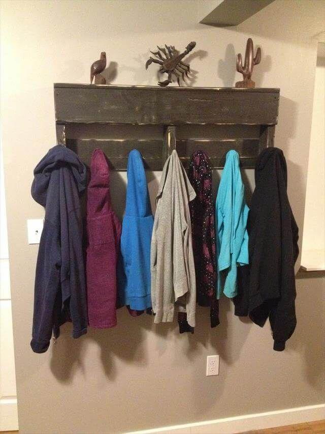 DIY Pallet Coat Rack