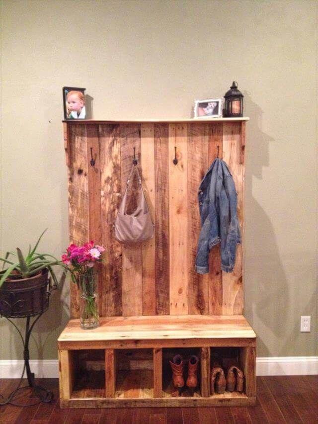10 Reclaimed Wood Pallet Coat Rack