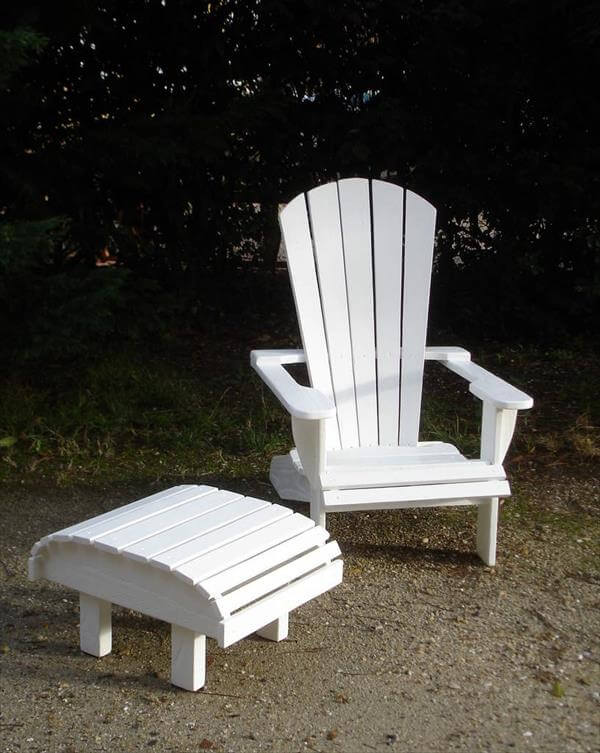 reclaimed pallet adirondack chair with footrest