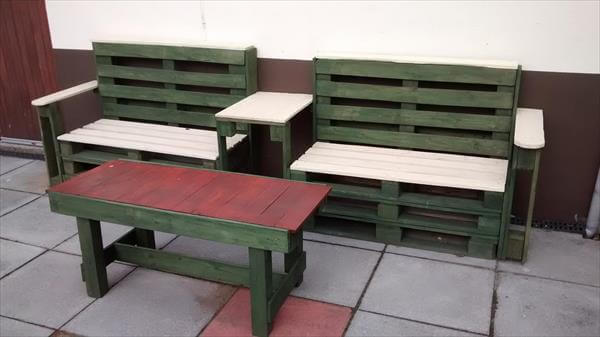 reclaimed pallet bench and table