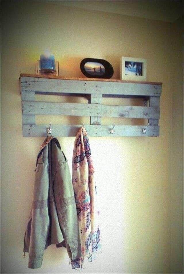 10 Reclaimed Wood Pallet Coat Rack | 99 Pallets