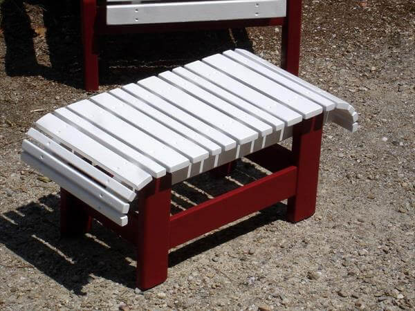 upcycled pallet red and white coffee table