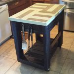 DIY Pallet and Barn Wood Kitchen Island Table