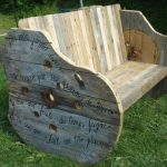 DIY Pallet Wood and Wire Spool Bench