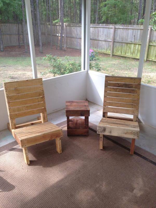 pallet sitting chairs and side table