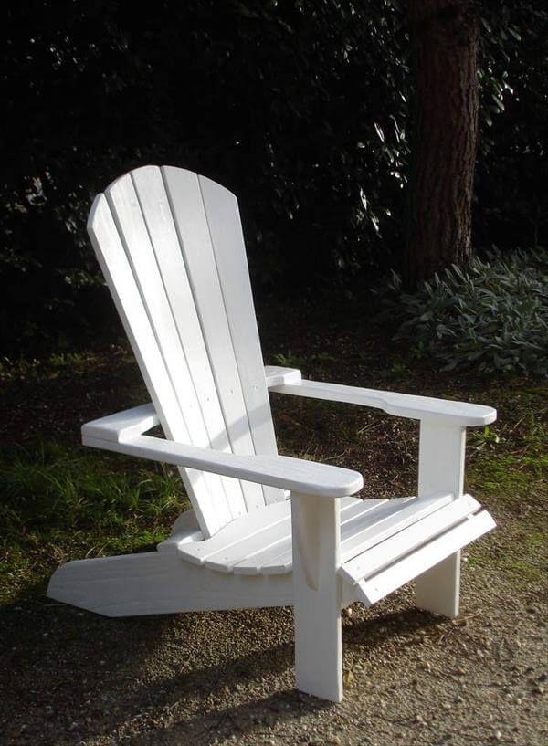 repurposed pallet adirondack chair