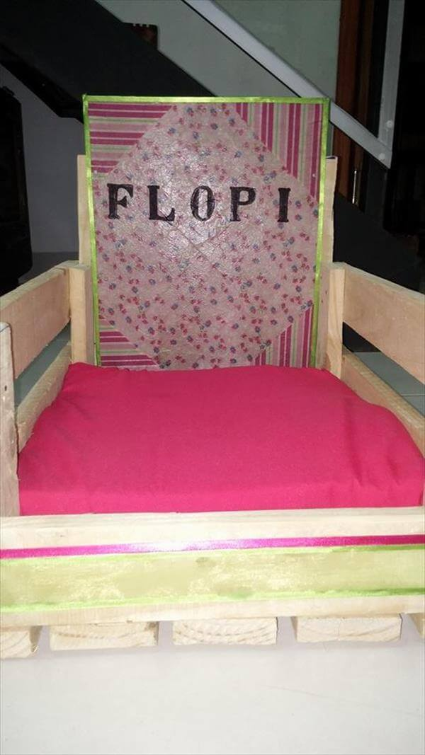 recycled pallet pet bed with cushion