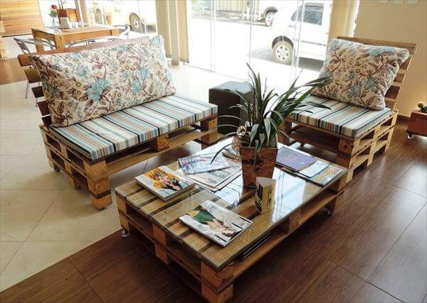 DIY Pallet Living Room Sitting Furniture Plans | 99 Pallets on Pallet Room  id=36809