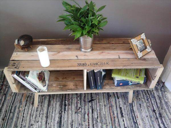 upcycled pallet coffee table with book storage