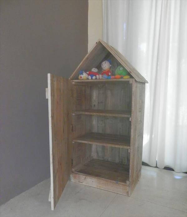 upcycled pallet doll house with storage