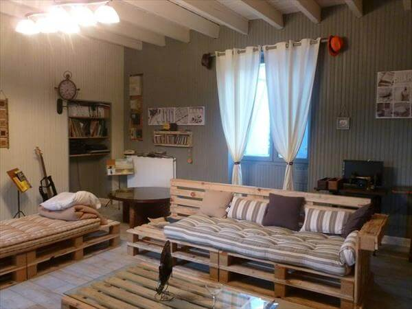 Diy pallet living room sitting furniture plans 99 pallets for Sitting furniture living room