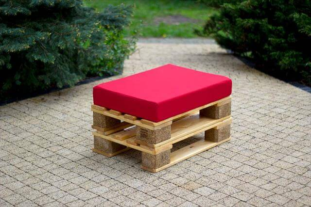 upcycled pallet cushioned ottoman