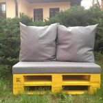 DIY Pallet Cushioned Patio Bench / Sofa