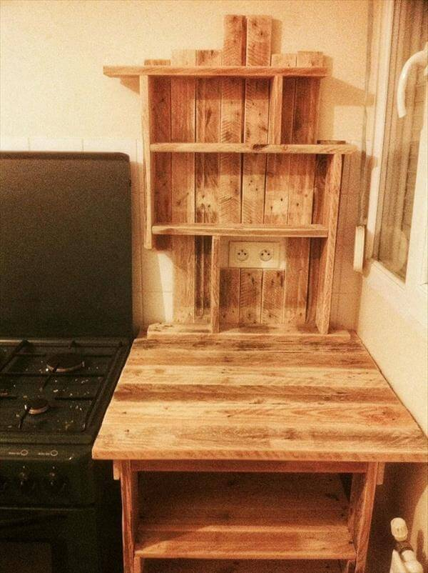 recycled pallet table with spice rack