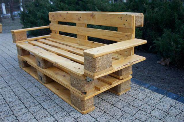 3 DIY Recycled Pallet Ideas