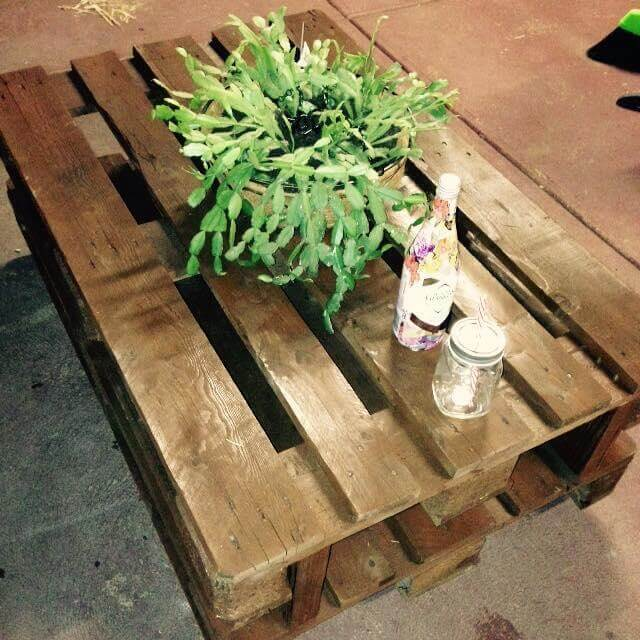 Antique Pallet Coffee Table With Wheels