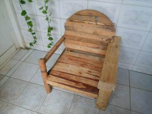 reclaimed pallet and cable spool patio chair
