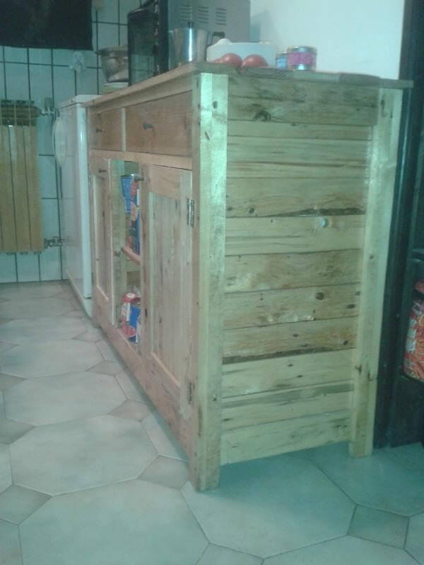 Diy upcycled pallet kitchen cabinet 99 pallets for Upcycled kitchen cabinets