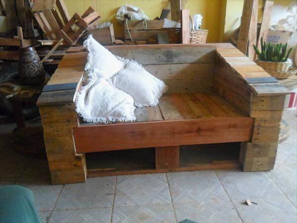 repurposed pallet 2 seater