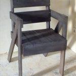 DIY Stylish Pallet Chair