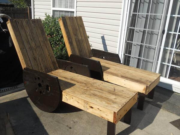 DIY Pallet Outdoor Lounge Chairs Made To Last 99 Pallets