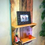 DIY Pallet Wall Hanging Picture Shelf