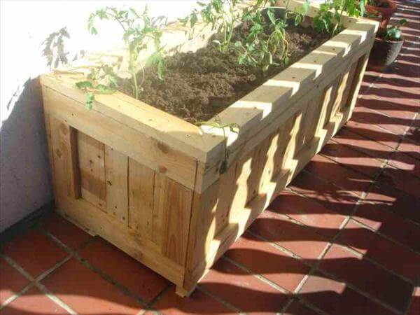 Diy upcycled pallet planter 99 pallets for Planters made out of pallets