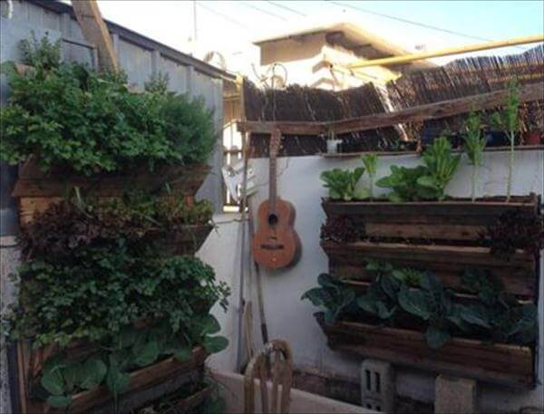 repurposed rustic pallet wall hanging planters