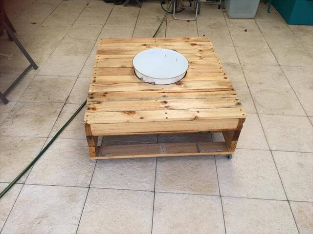 reclaimed pallet coffee table with fixed ice bowl