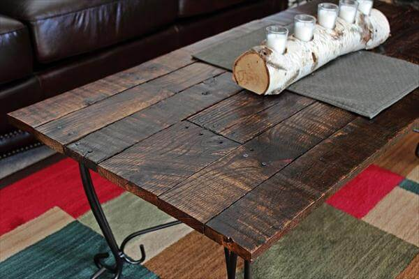 Diy Remodeled Table With Pallet Wood