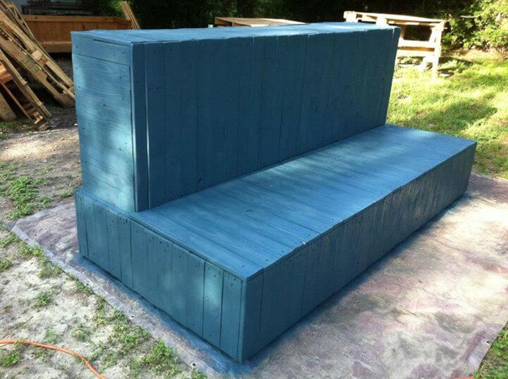 reclaimed pallet beefy couch