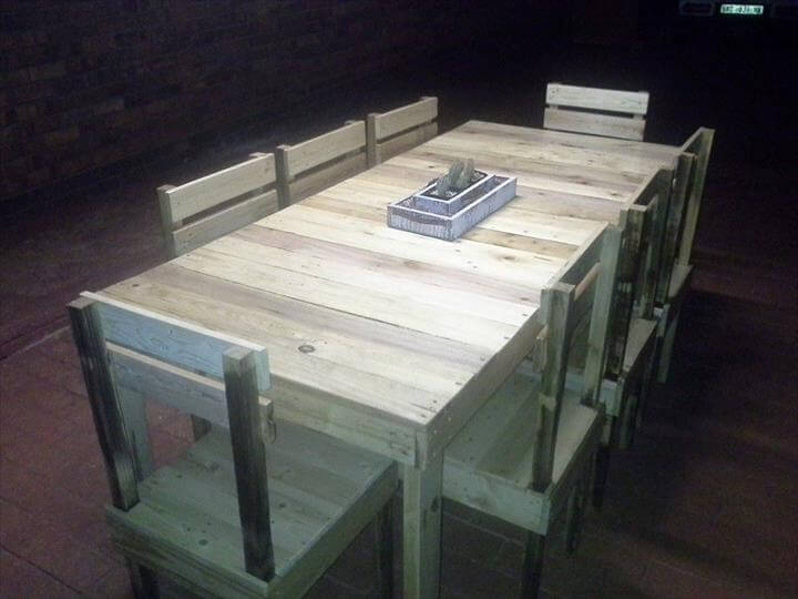 recycled pallet farmhouse style dining furniture