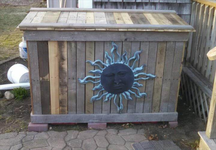 reclaimed pallet trash bin holder